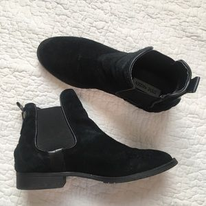 Steve Madden Gianna Suede Booties Size 8.5